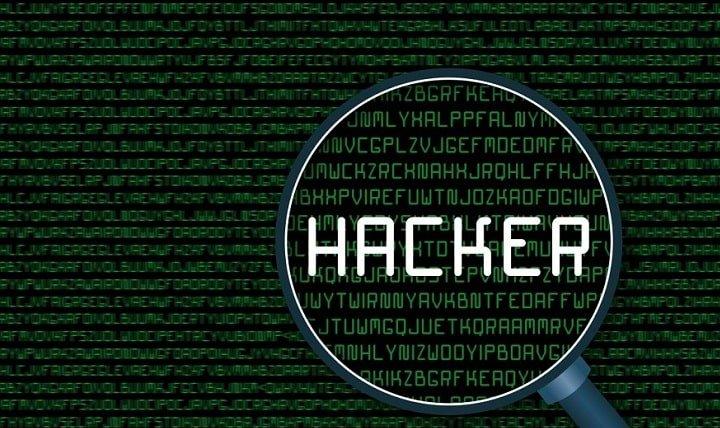 انواع هکر | رایانه کمک تلفنی